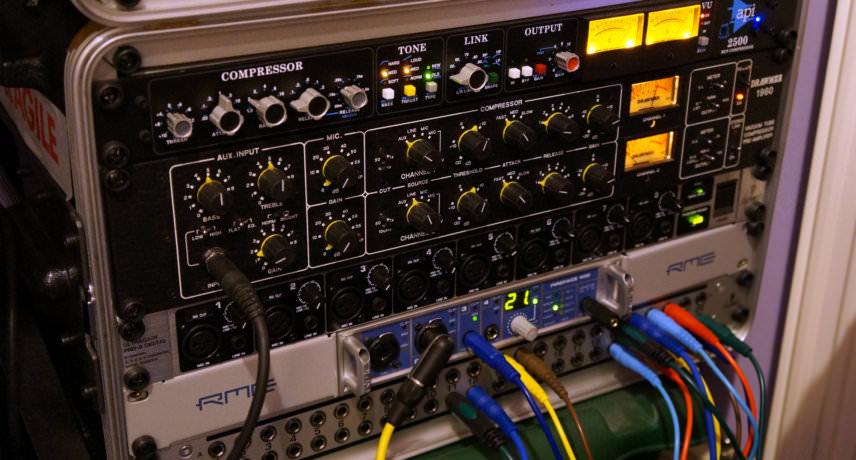 API 2500, Drawmer 1960, Behringer Pro-8, RME Fireface 400