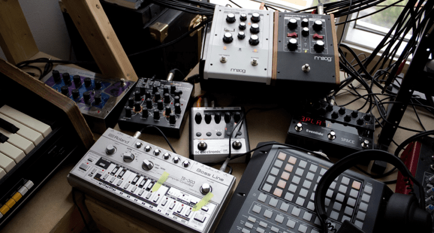 Roland TB-303, Jomox T-Resonator, Moogerfooger Delay & Phaser