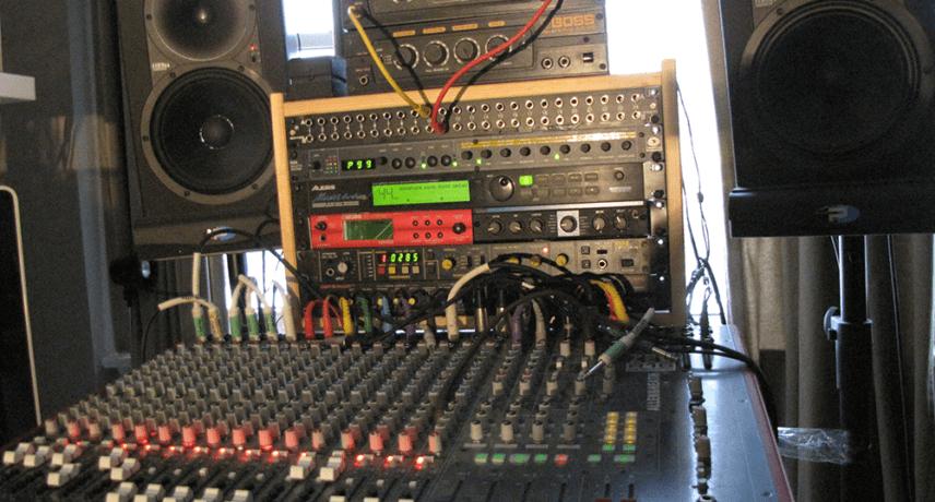 Allen & Heath Zed R16 Mixer & Outboard Effects