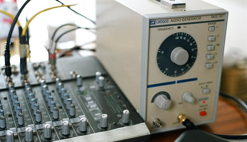 Mackie Mixer & TAG-101 Signal Generator