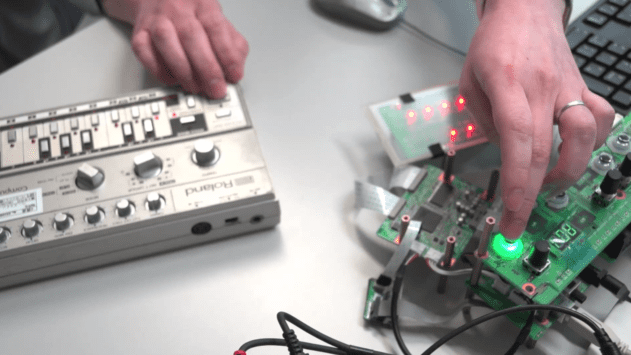 Comparing the original TB-303 with the new AIRA TB-03