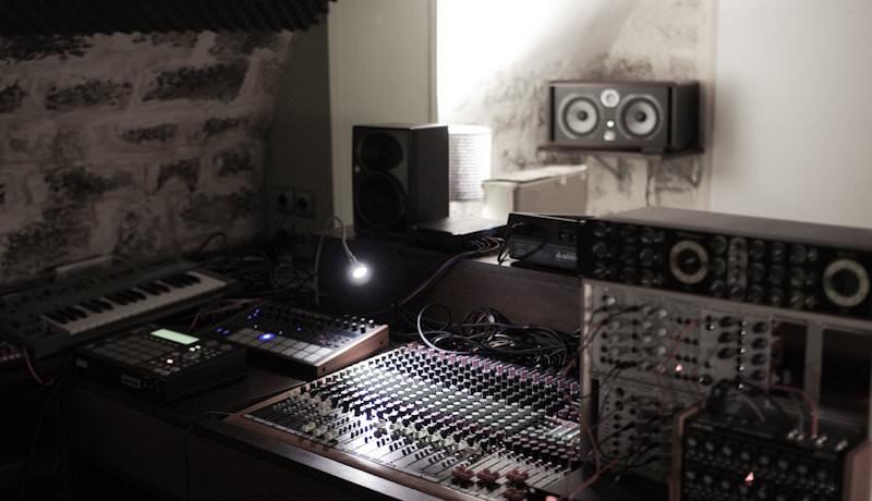 My Studio –Hold Youth