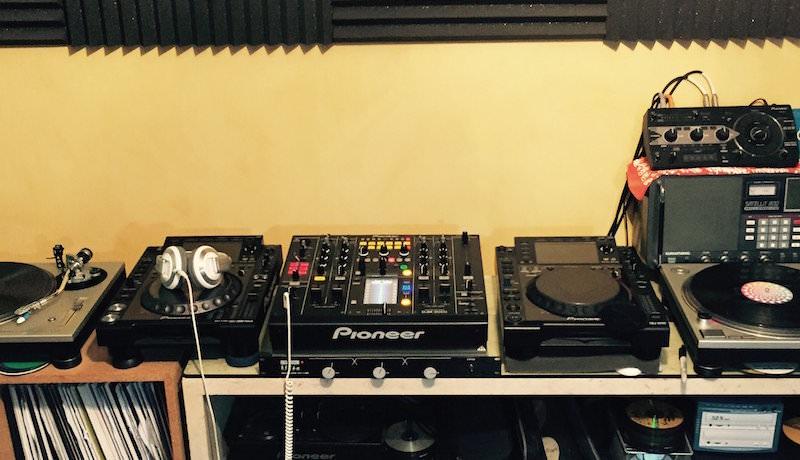 DJ area 1