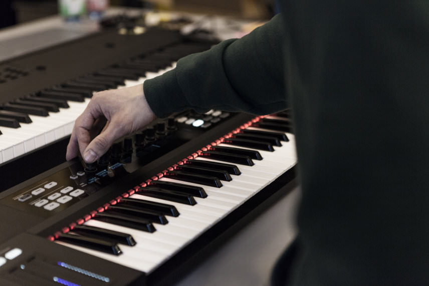 Native Instruments' Komplete Kontrol S