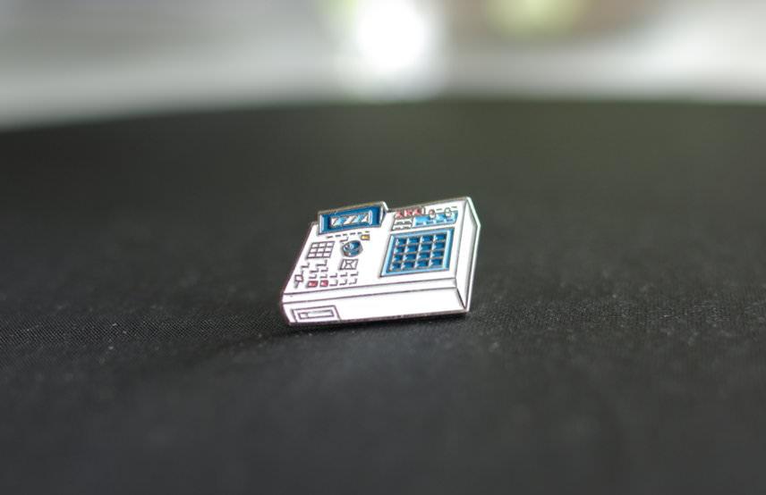 Akai MPC 2000XL pin badge