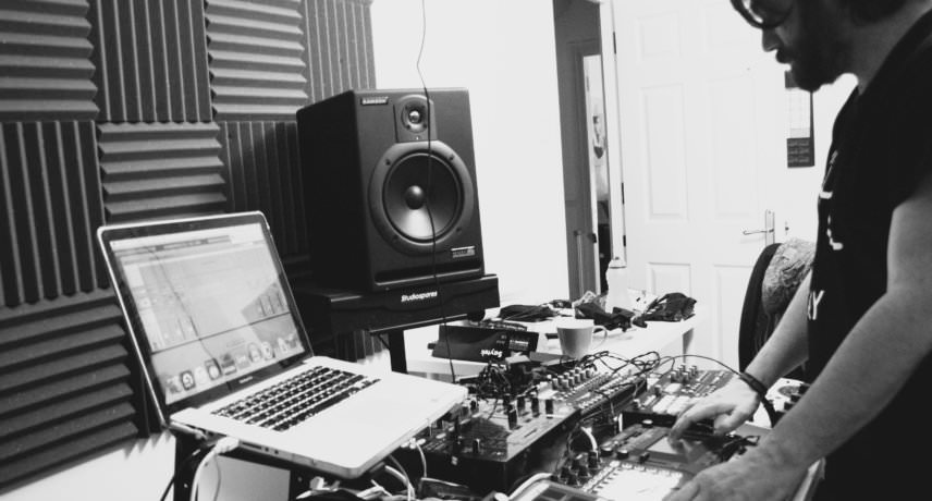 Saytek in Studio