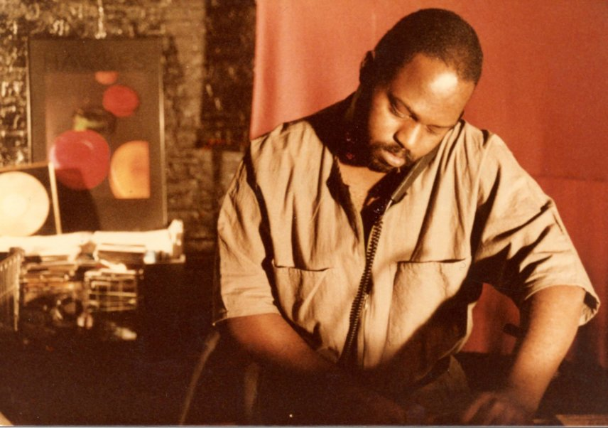 Frankie Knuckles (with lollipop headphone) at Chicago's Power Plant