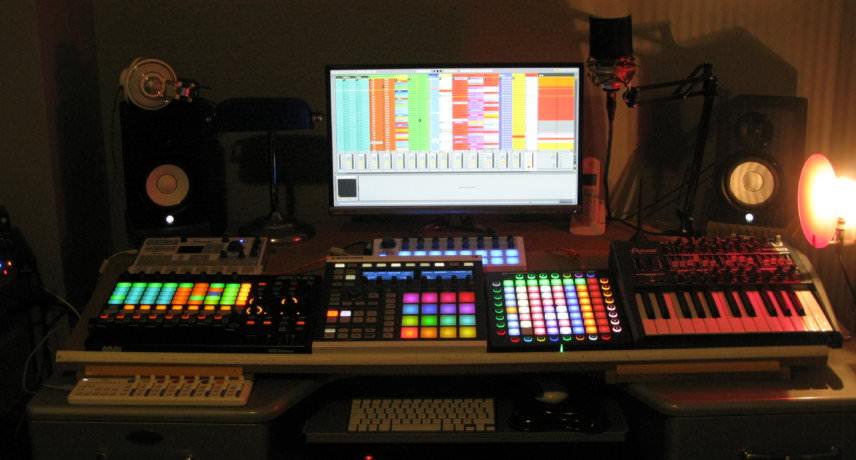 Carl Finlow studio