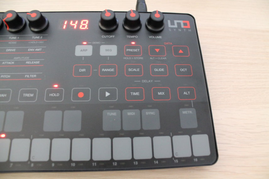 UNO Synth's performance controls