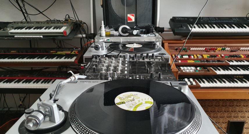 decks & mixer